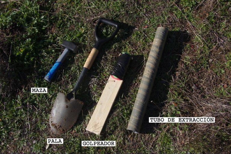 Tools: short hammer, shovel, striker and extraction tube